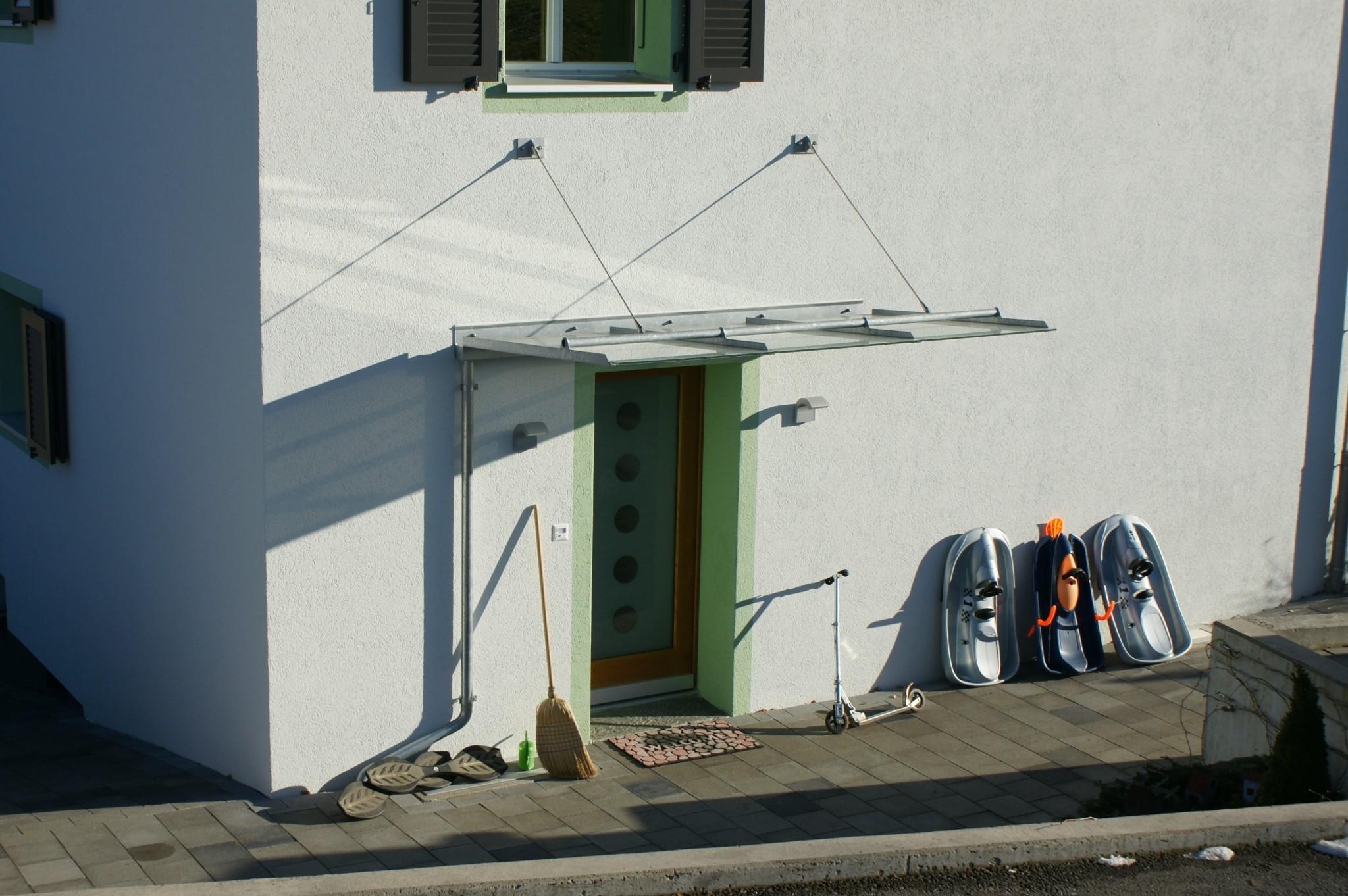 Wunderbar Windfang Hauseingang Geschlossen Galerie Von Vordach